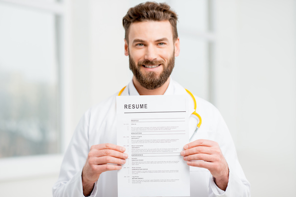 Healthcare Resume: 4 Steps to a Standout Professional Summary