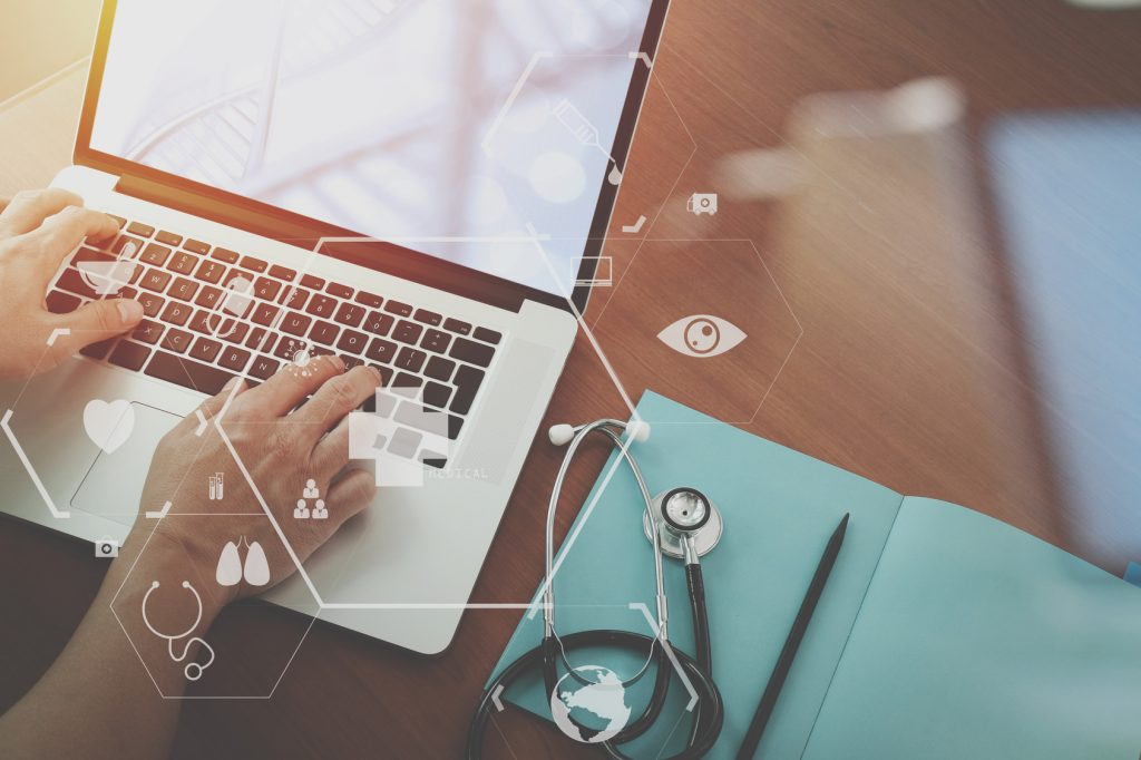 5 Reasons Why Doctors Should Use Social Media