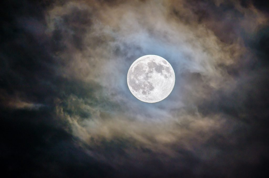 Nurses Beware: How a Full Moon Affects Your Night Shift