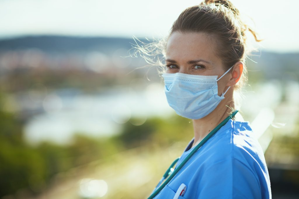 5 Tips for Nurses Working in Hot Weather