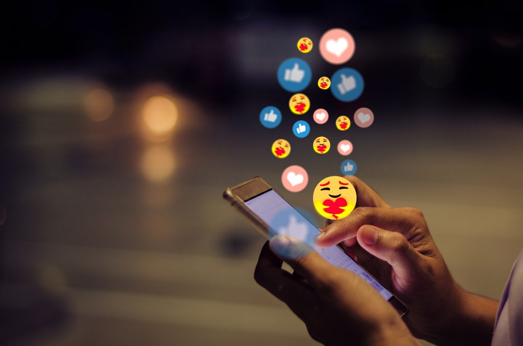 Social Media Do's and Don'ts for Medical Professionals
